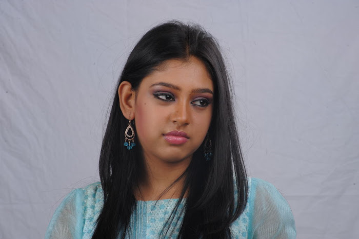neethi taylor new latest photos