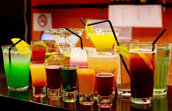 Girly Mixed Drinks To Order At A Bar