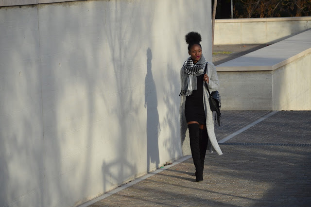 Blog mode afro, blog mode marseille, look robe, cuissardes, coiffure afro, gilet long