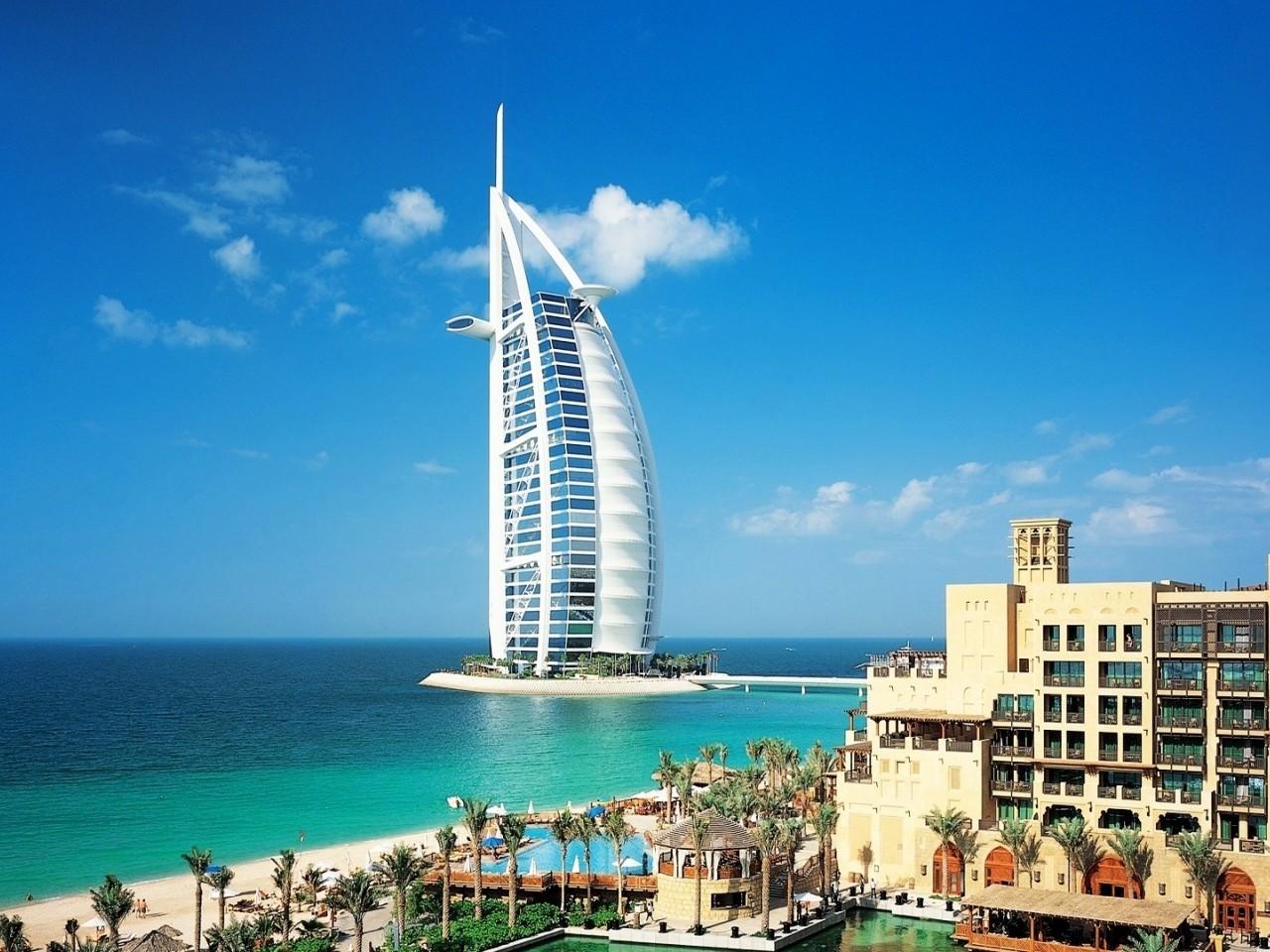 Pic new posts burj khalifa 1080p wallpapers for Burj al khalifa hotel