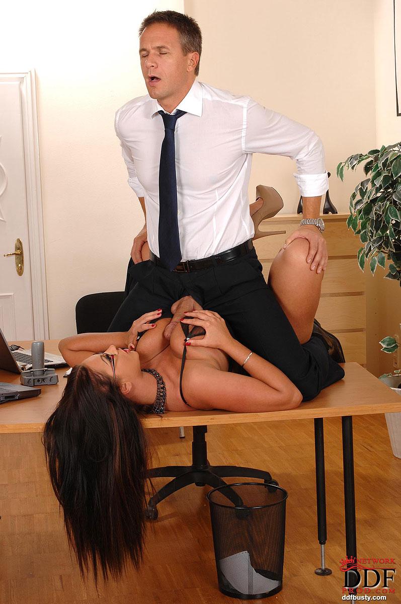 Sexy milf boss lisa in stockings sm65 - 4 5