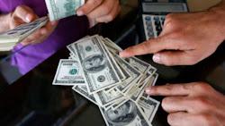 EN LA RADIO: Dólares falsos