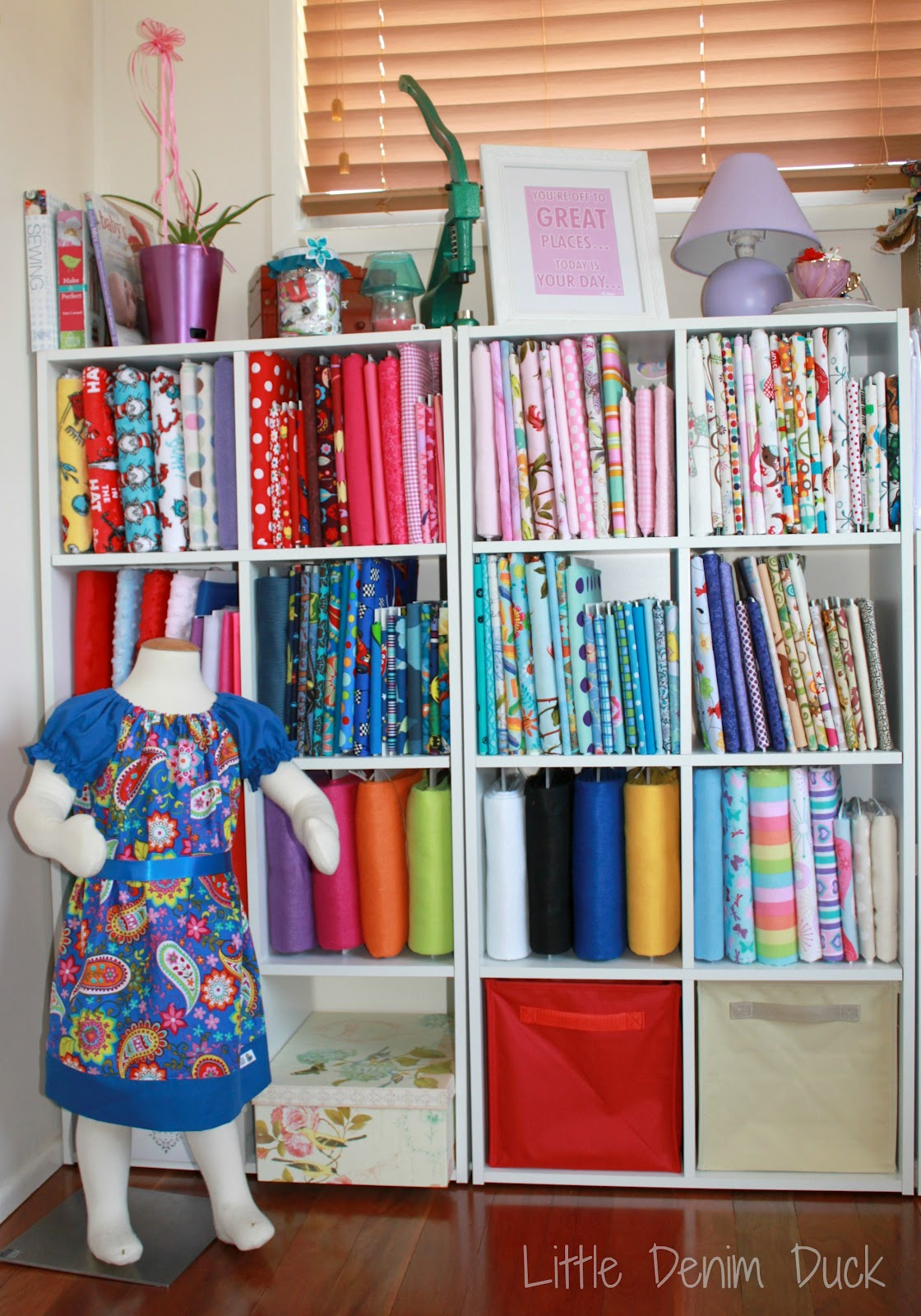 Home of homemade treasures guest post corflute fabric for Fabric storage
