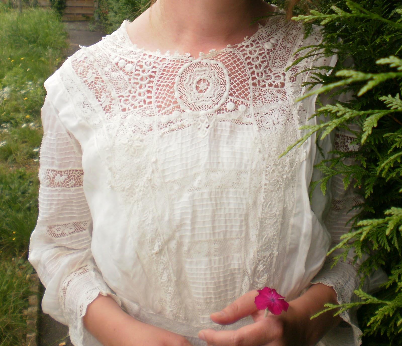 Souvent Des modes & : Robe d'après midi en coton et dentelles - vers 1910 PO19