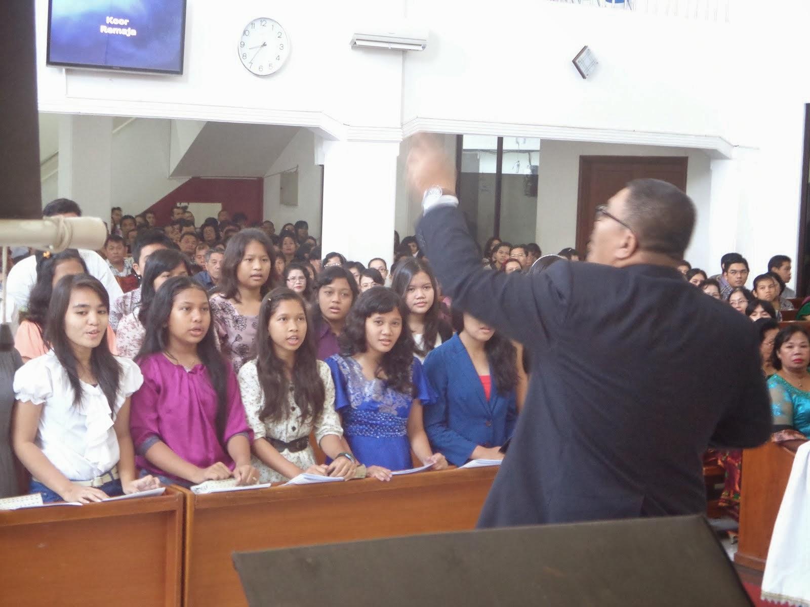 Paduan Suara Remaja HKBP Tangerang Kota