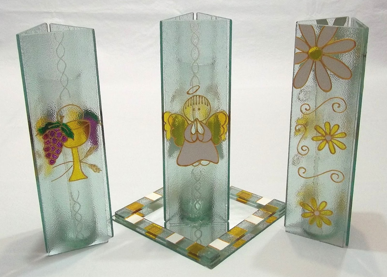 Portavelas en vidrio pintado souvenirs comunion for Centro de mesa de cristal