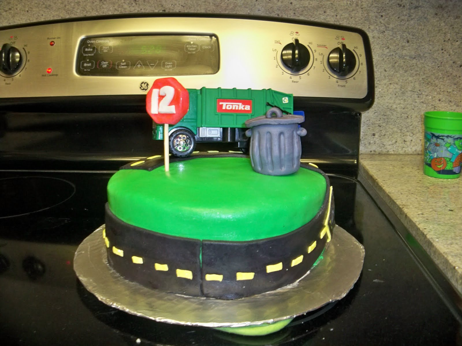 Melinda Makes Cake Garbage Truck Cake Road Cars etc