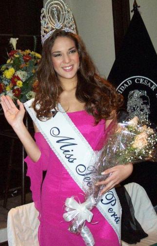 Silvia Cornejo ha sido Miss Teen Perú en el 2004 y 2006