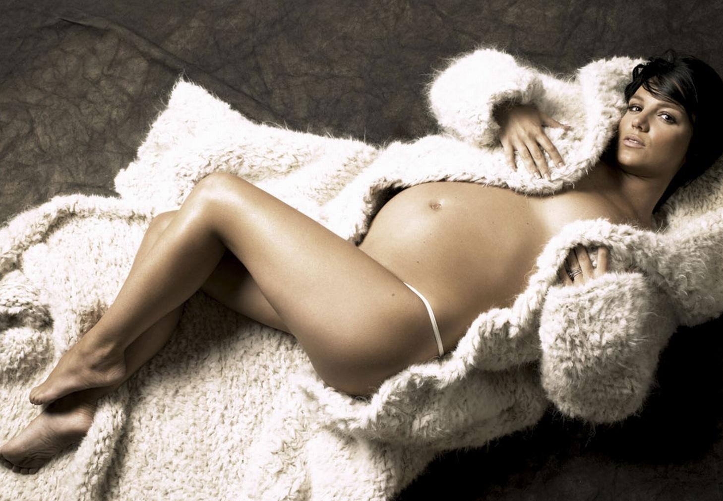 http://1.bp.blogspot.com/-t4hSrS5uUPc/T4QvYemqsPI/AAAAAAAAGhg/_dFx-VHDAIA/s1600/pregnant+sexy+++pictures+++Britney++Spears+1.jpg