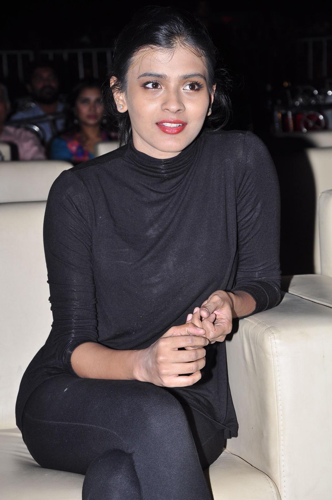 Hebah Patel at Kumari 21f platinum disk event-HQ-Photo-9