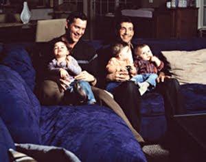 če bi resnično želeli samo dobre starše │ bi hitro postalo jasno │ da je takšen lahko tudi istospolni par