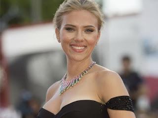 Scarlett Johansson diz que é negação na internet