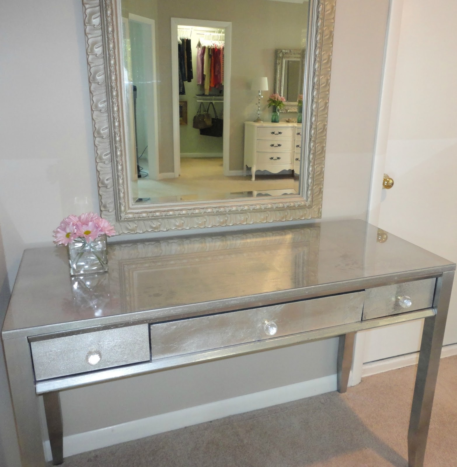Silver Leaf Decoration Diy Thrift Store Desk Makeover Using Silver Leaf Livelovediy