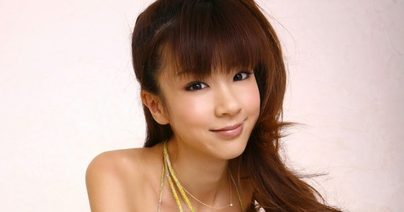 INFO MODEL LINGERIE: Japanese Bikini Idol, Aki Hoshino