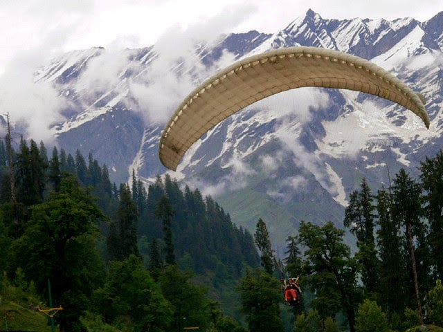 Tandem Paragliding, Solang Valley