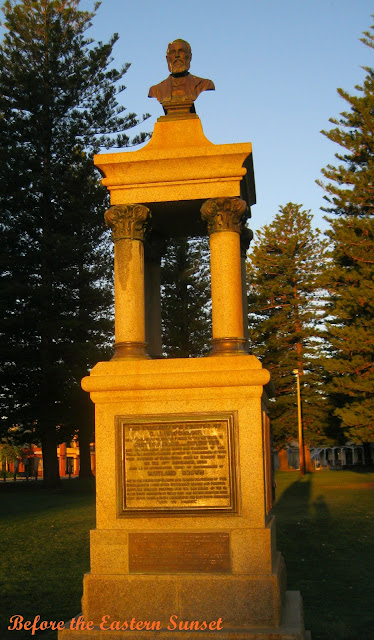 Monument at Esplanade Reserve, Fremantle City