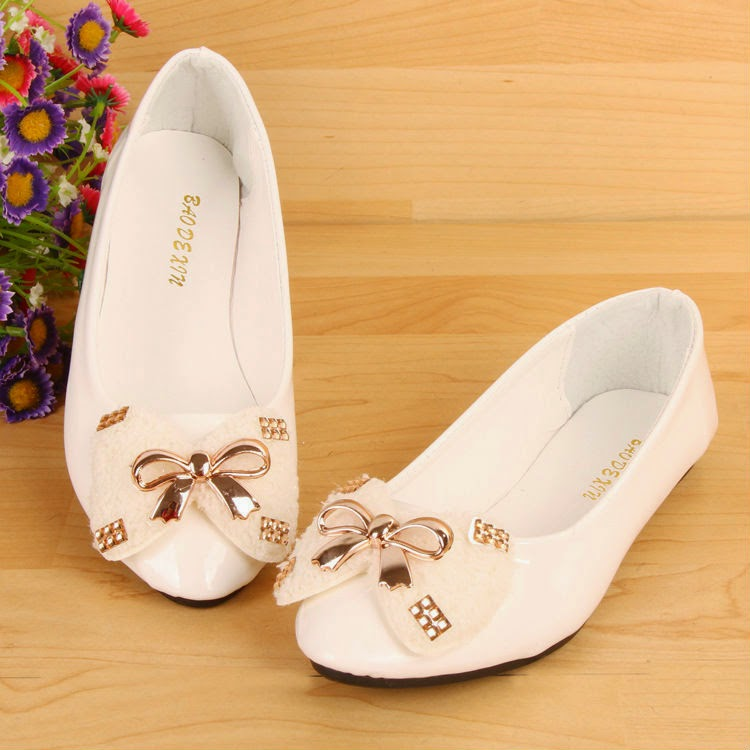 women fashion style flats and High Heel