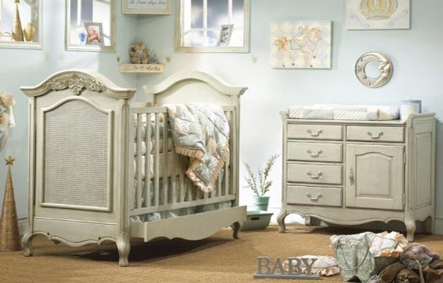 Fashion: Baby girl nursery inspirations
