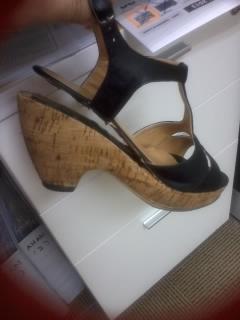 zaman sekolah dulu kalau pakai kasut jenama Bata kira hebatlah