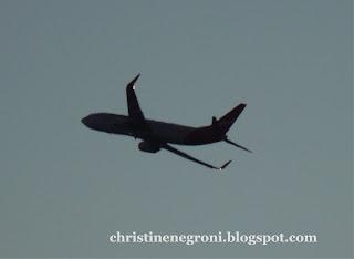 a+plane+in+sillouette.jpg