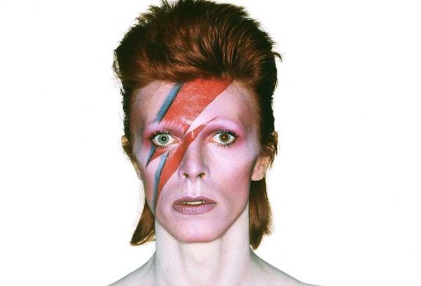 Lukes English Podcast: English musician David Bowie - Official Website - BenjaminMadeira