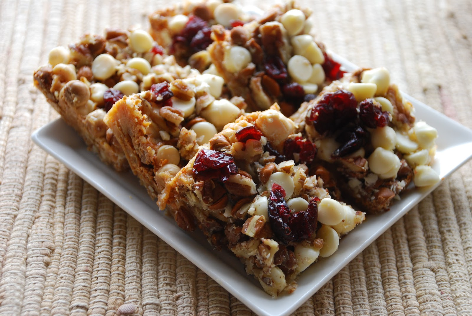 Everyday Insanity...: Cinnamon white chocolate, Cranberry Bars