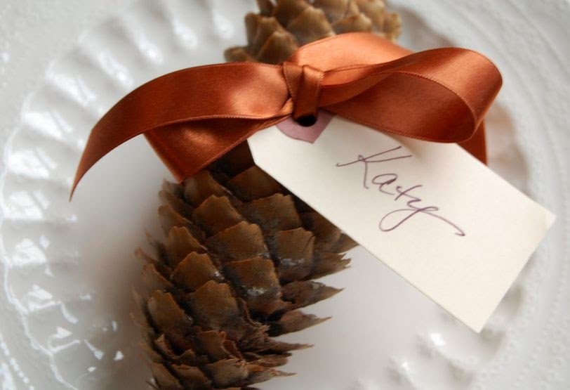 Serenity now 10 diy thanksgiving place card ideas for Diy thanksgiving table place cards