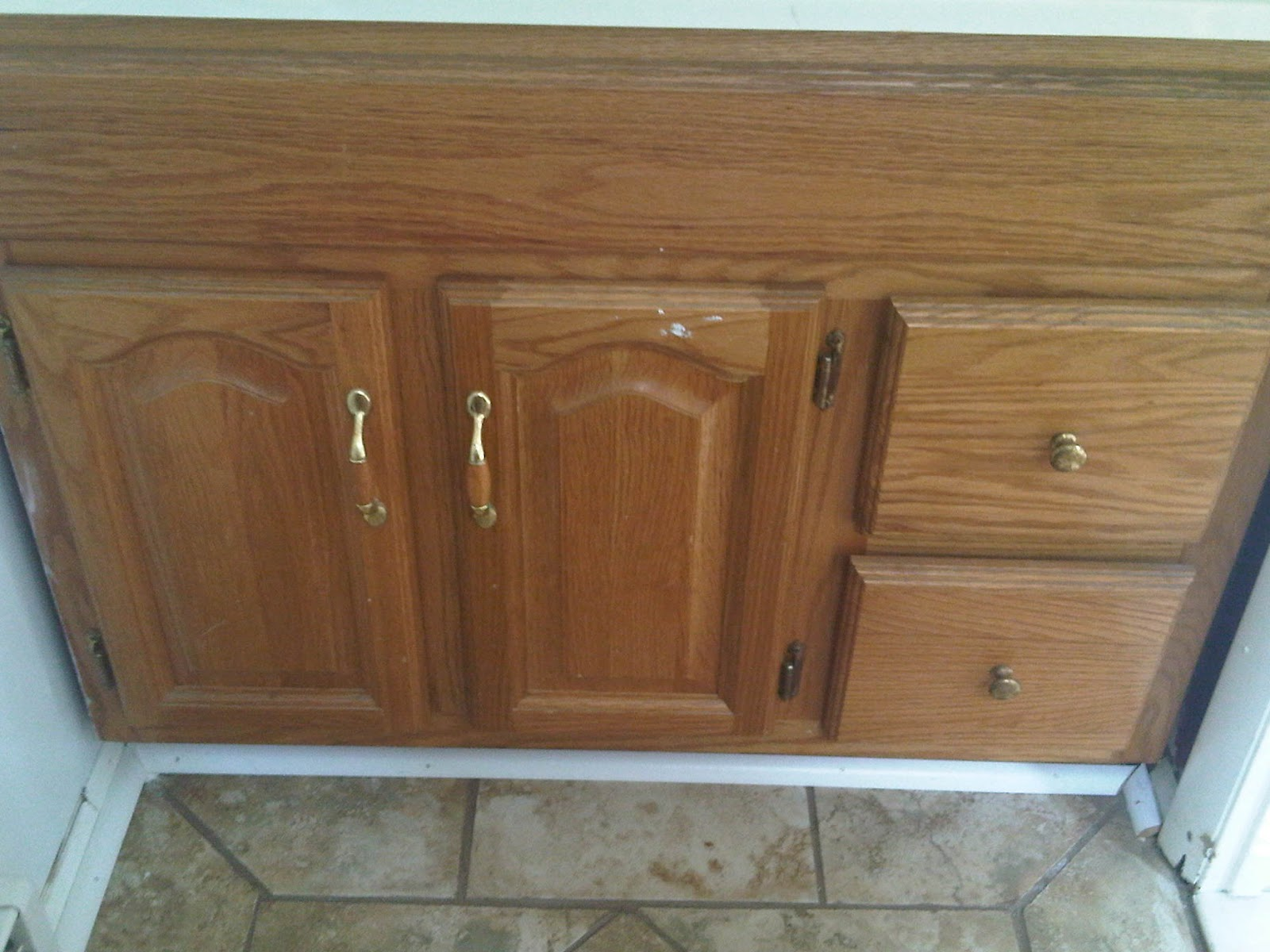 Everyday Girl Diy Staining Mahogany Bathroom Cabinets