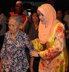 Yang tua dihormati dan di bantu