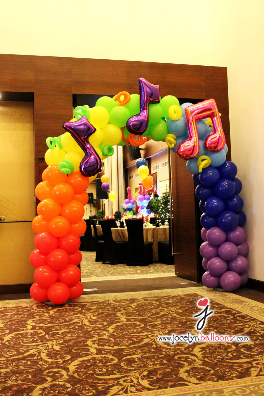 Jocelyn ng professional balloon artist blog balloon for Balloon decoration for stage