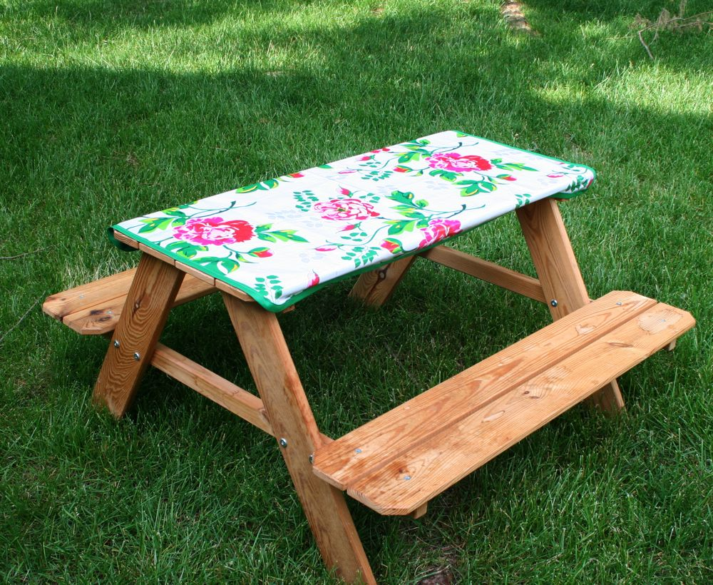 ... tute on creating a picnic table cover what a winderful summer craft