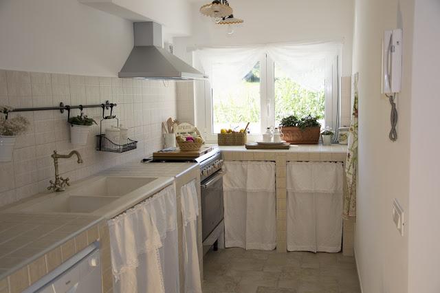 Shabbychiclife tour della mia casa parte ii - Tendine cucina muratura ...