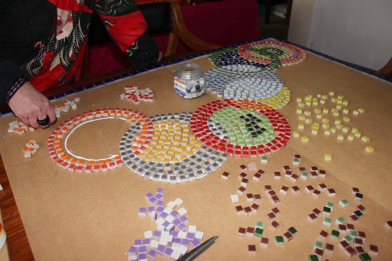 Trabajos manuales mosaico jard n for Mosaicos para jardin
