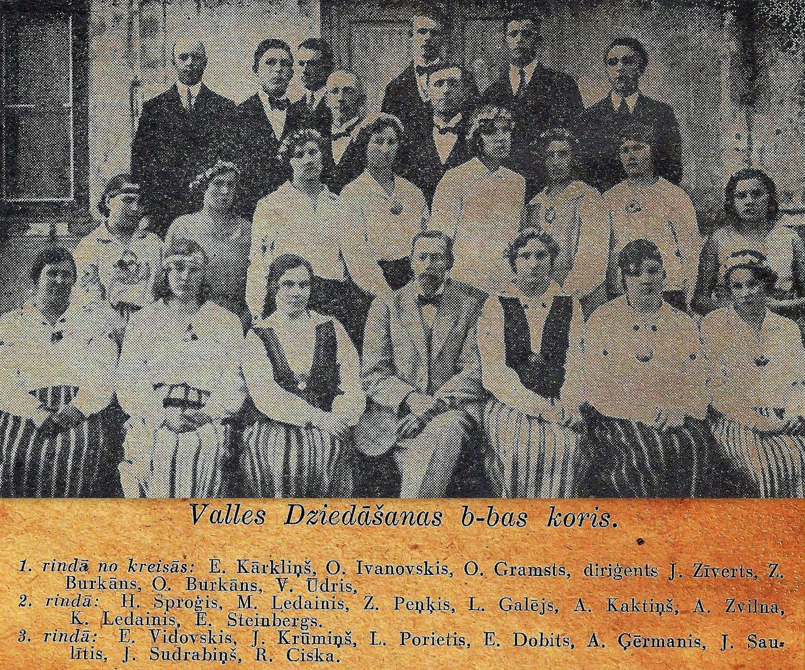Valles dziedāšanas biedrības koris 1933. gadā . Diriģents Juris Zīverts