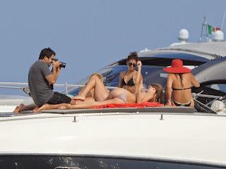 vanessa-hudgens-in-a-bikini-on-a-boat-in-ischia-20-hi-res-Pictures_6.jpg