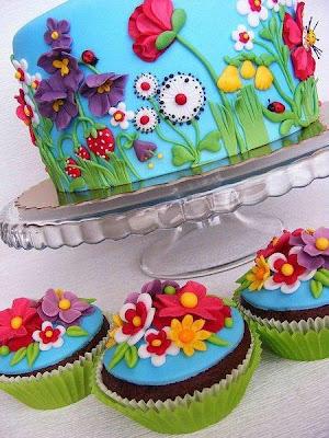 http://lapequetitadocinhos.blogspot.pt/2013/05/bolos-decorados-para-festas-infantis.html