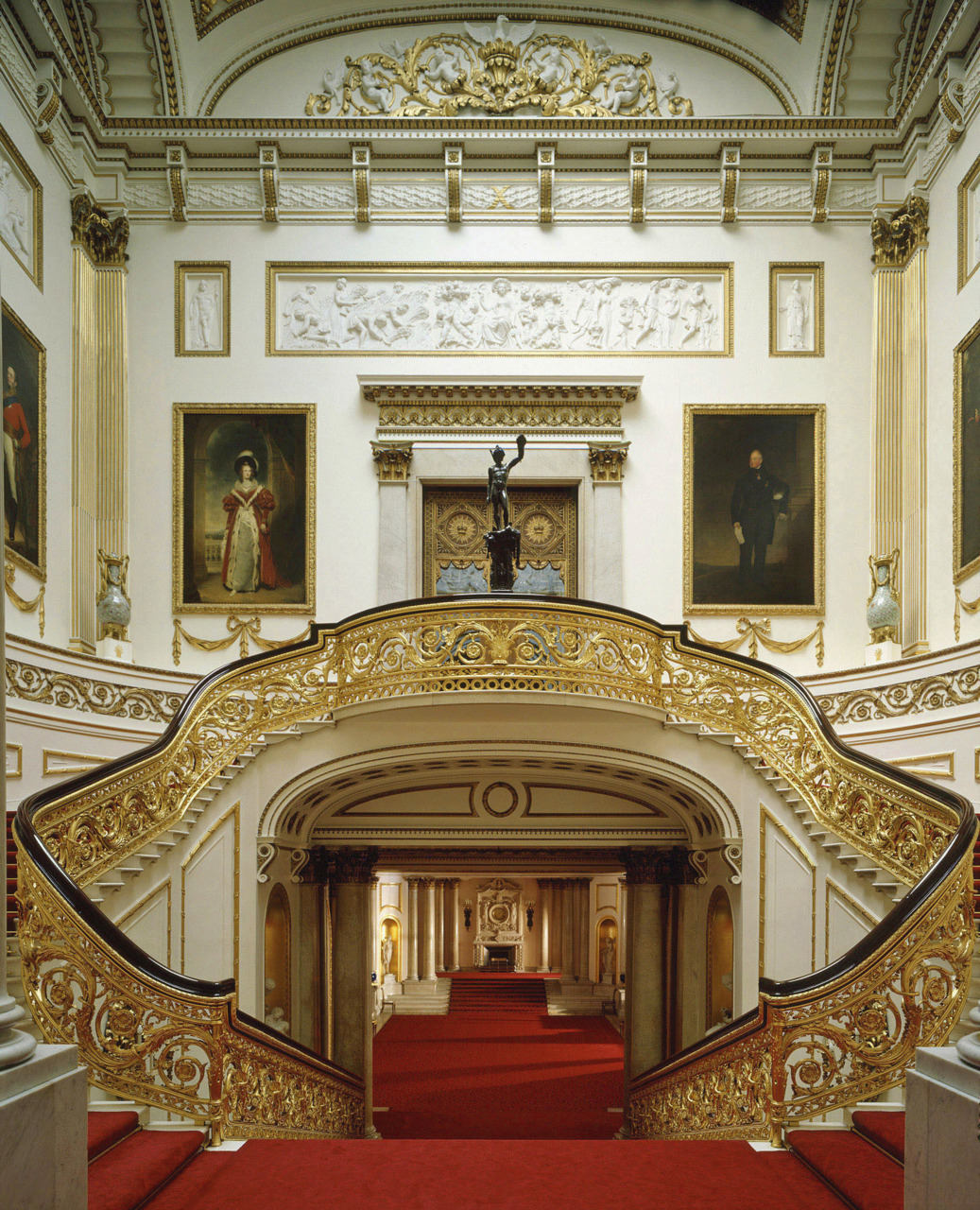 La Duchessa: Piccolo Assaggio Di Rosso. #6D381E 1037 1280 Sala Da Pranzo Buckingham Palace