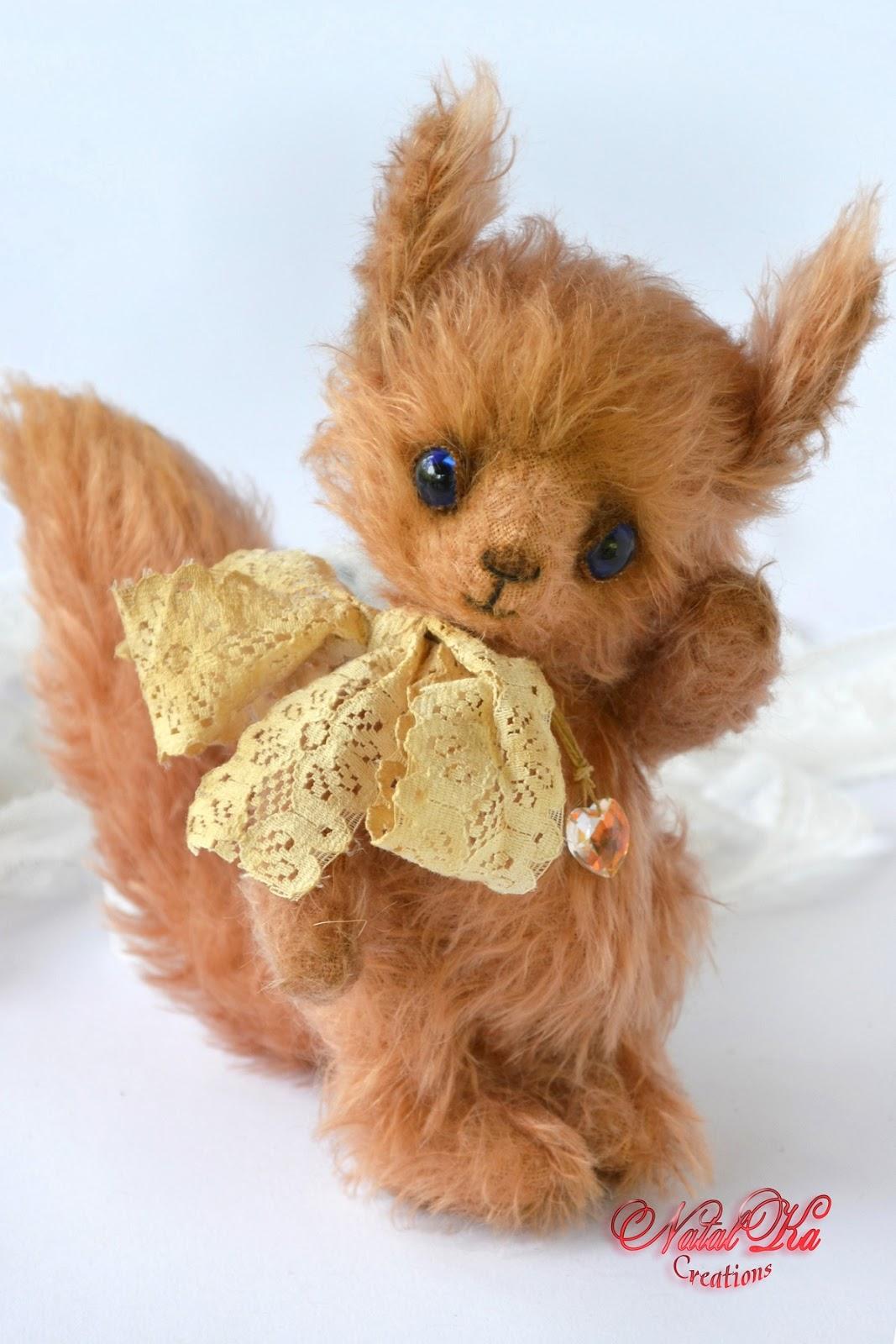Artist teddy squirrel by Natalka Creations. Künstler Eichhörnchen von Natalka Creations. OOAK