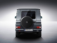 2012 New Mercedes G350 BlueTEC facelift revised refresh restyled change generation official press media source off-road