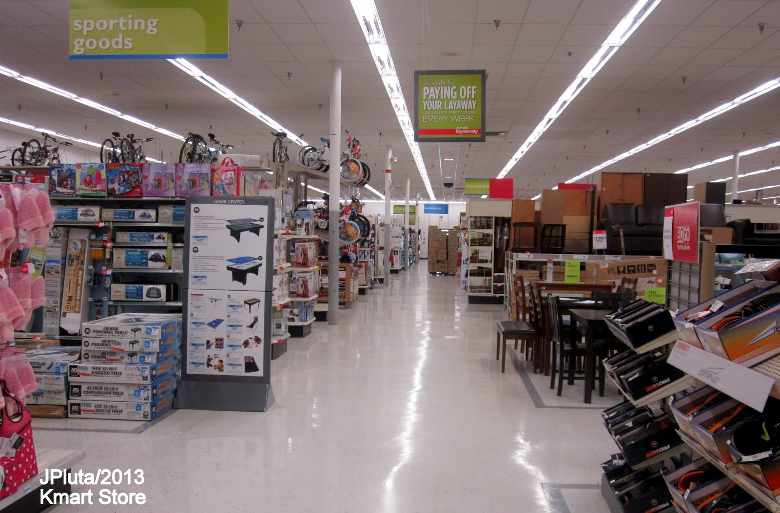 Super Kmart Blog Hendersonville Tn Big Kmart KMART+Store+Sporting+Goods+Department+Aisle,+Kmart+Store.JPG