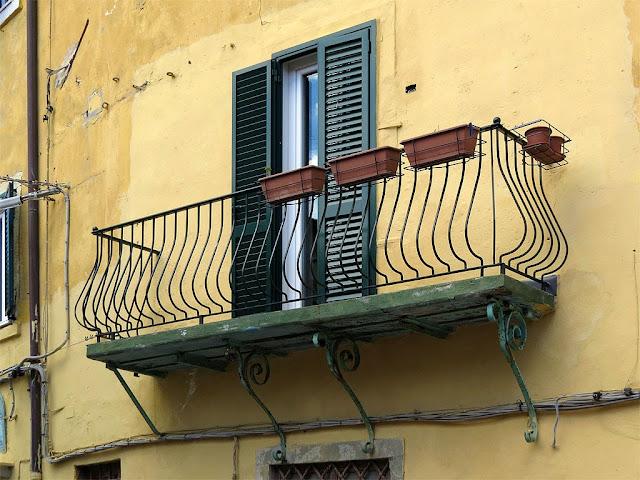 Balcony, Via degli Archi, Livorno