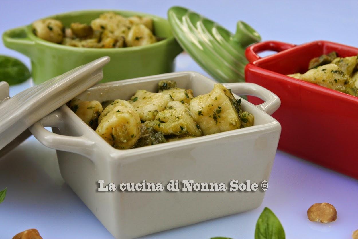 gnocchi di ricotta con zucchine e emulsione di basilico