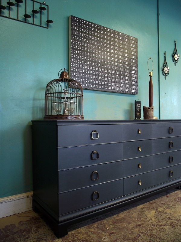 There Are 12 Drawers, For A Huge Amount Of Storage Space. The Dresser Has  Been Refinished In A Beautiful, Sleek Gray With ...