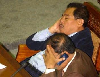 10 Alasan Mengapa Anggota DPR Tidur di Dalam Sidangnya