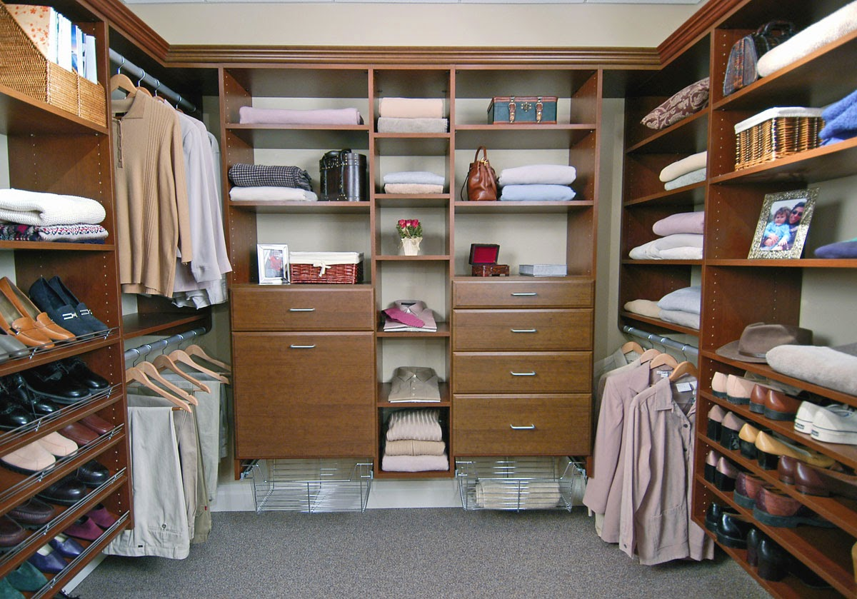Advantages of Walk-In Closets
