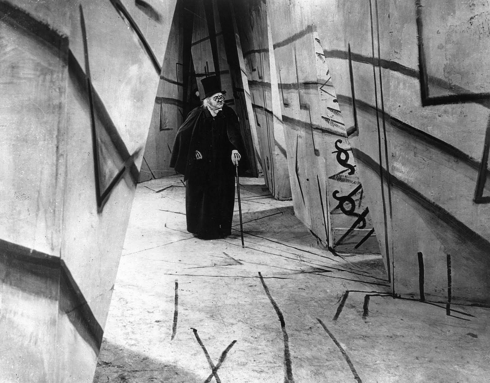Inky the delhihite german expressionism and architecture in cinema - The cabinet of dr caligari ...