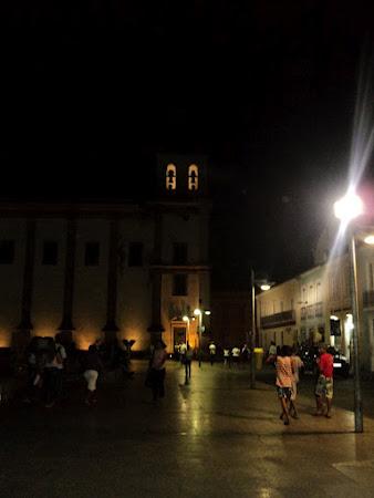SALVADOR, A NOITE