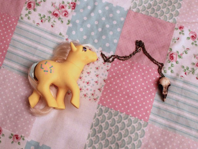 my little pony mlp G1 generation 1 cute kawaii retro vintage yellow kisscurl bird skull resin gothic necklace
