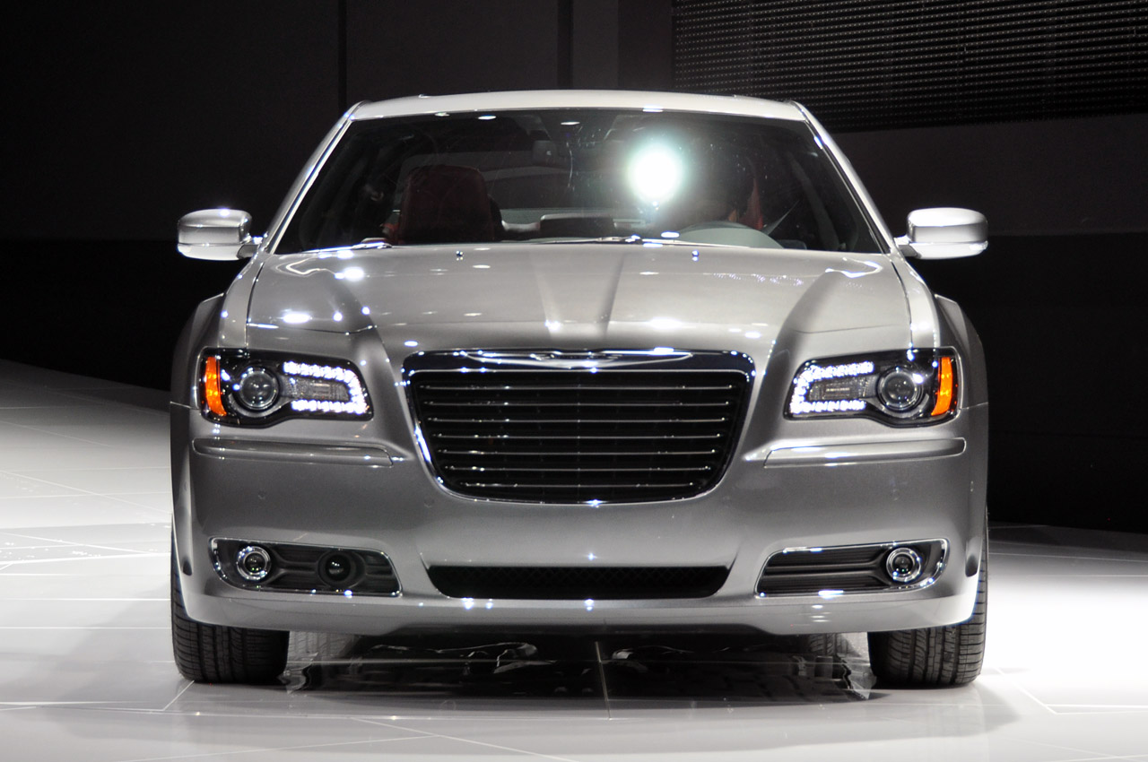 2012 Chrysler 300S - Car Audio System And Modifications
