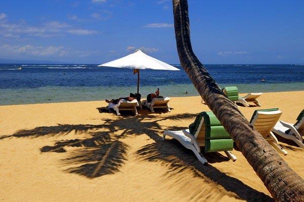 Selain Kaindahan Pantai Dan Panoramanya Anda Juga Dapat Menemui Penginapan Ataupun Berbagai Info Budget Hotel Murah Di Bali Itu Kawasan